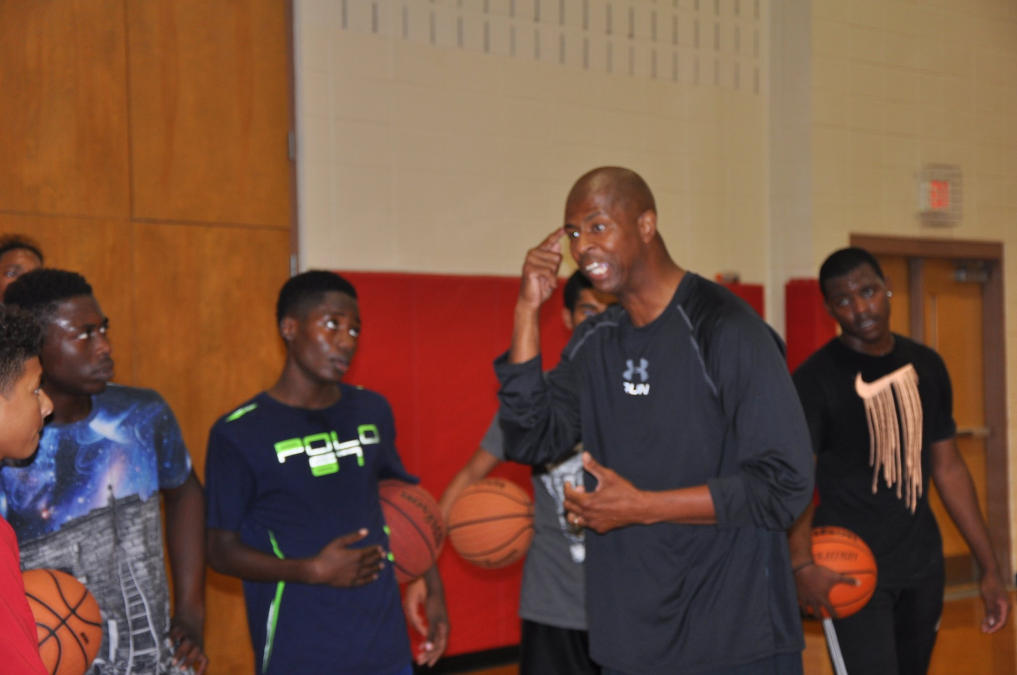 HEADS UP FREE HOOPS CLINIC 3.0 Featuring Keith Gatlin
